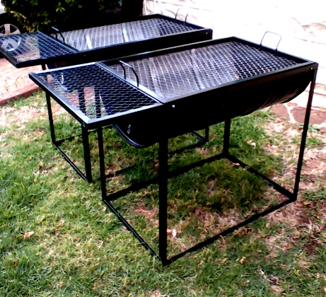 Braai In Square Frame Incl Side Table Breedt Braais